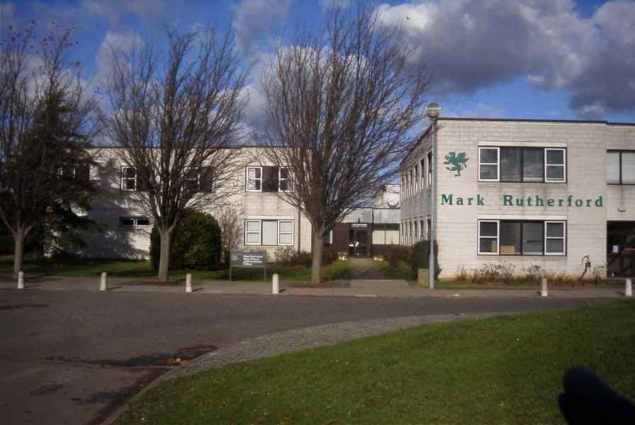 picture of the outside of Mark Rutherford school